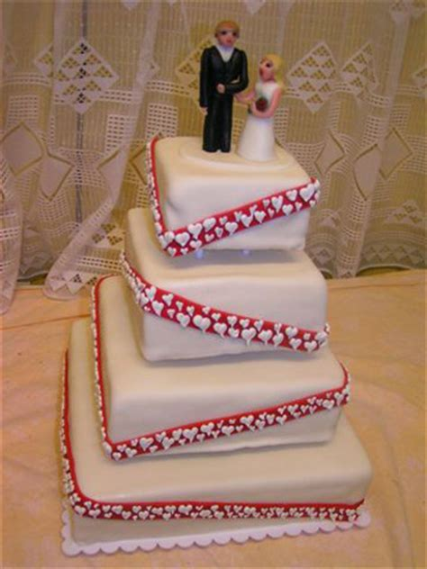 Hochzeitstorte Und Tauftorte by Moderne Hochzeitstorten Ausgefallene Geburtstagstorten
