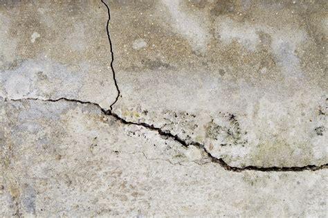par la fissure de r 233 parer la fissure d un mur