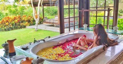Bathtub For Couples by 10 Bali Villas With The Most Indulgent Bathtubs