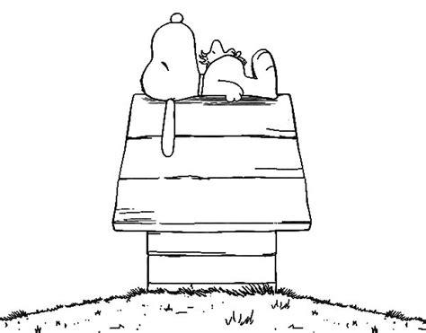imagenes de navidad de snoopy dibujo de snoopy durmiendo para colorear dibujos net