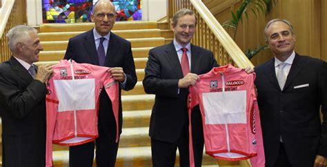 enrico letta data di nascita giro d italia enrico letta d 224 la maglia rosa all irlanda