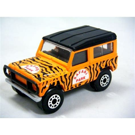 matchbox land rover matchbox land rover defender 90 safari global diecast