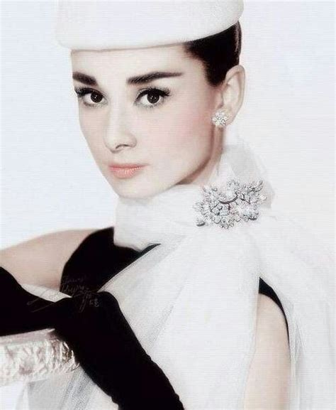 9 Classic Looks by Hepburn Fashion Vintage Style