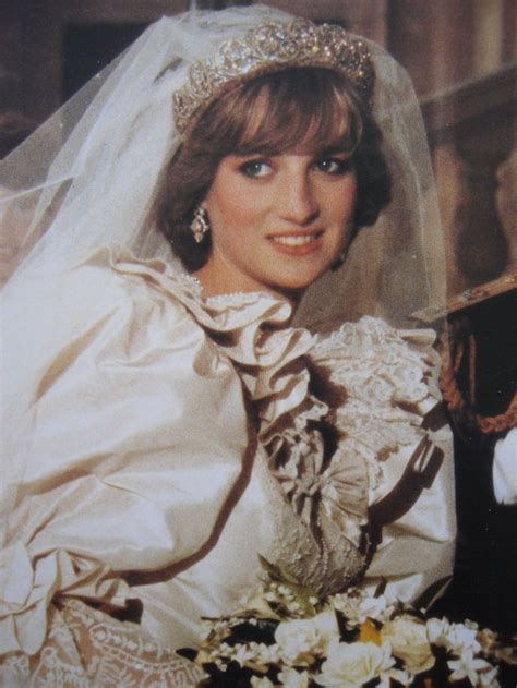 lady diana biography en ingles july 29 1981 prince charles marries lady diana spencer