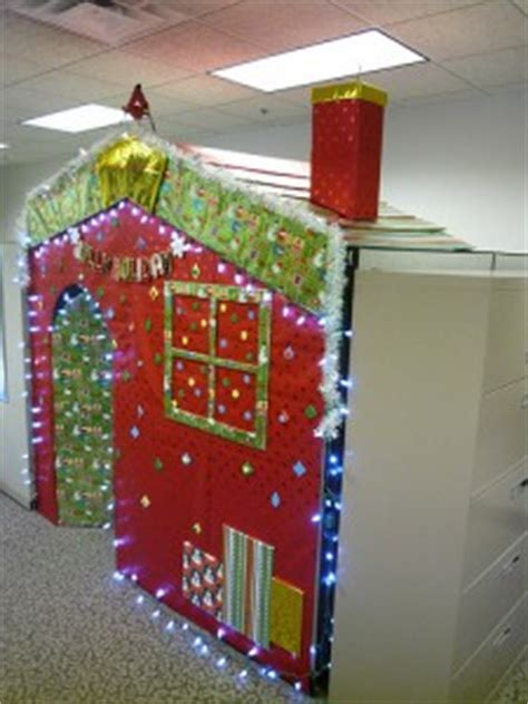 diy christmas cube decorations decorating your cubicle for the holidays made