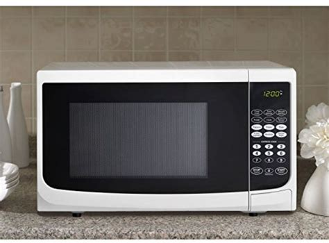 Best Small Countertop Microwave by Compact Danby 700 Watt 0 7 Cu Ft White Microwave Oven Small Countertop 1 Touch 67638902984 Ebay