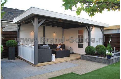 tuinhuis wit met grijze deuren berging overkapping 600 x 300 tuin pinterest