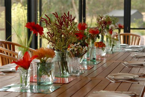 How To Decorate A Buffet Table In Dining Room by Natal Lim 227 O Flor