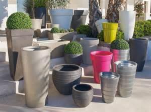pots et jardini 232 res habillent la terrasse et le jardin