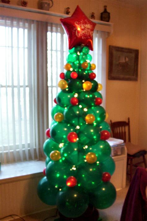 christmas tree made of balloons christmas pinterest