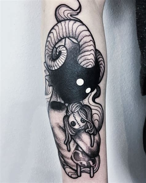 creepy tattoo designs darkhead design blackwork creature creepy