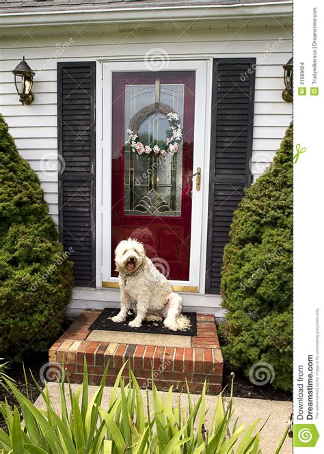 Sweet Home 3d House Design Welcome Home Front Door W Dog Stock Images Image 31689664