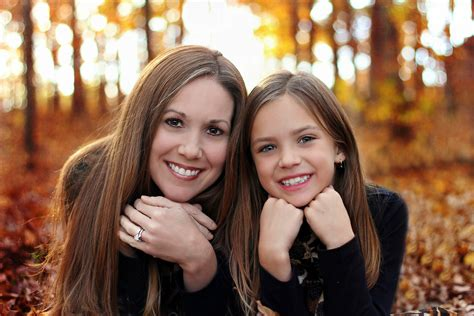 mother daughter share