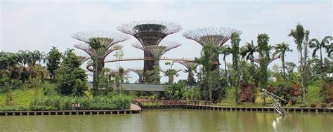 Garden Of Singapore Singapore S Gardens By The Bay Garden Travel Hub