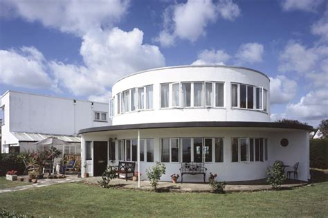 round house the round house frinton on sea essex the modern house