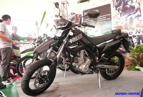 As Tracker Sepeda d tracker x 250 lx250v supermoto jagoan kawasaki yang bakal dimatikan info sepeda motor