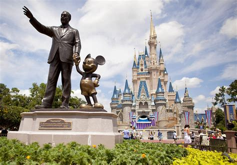 disney theme parks selfie sticks and 5 other things banned at disney theme
