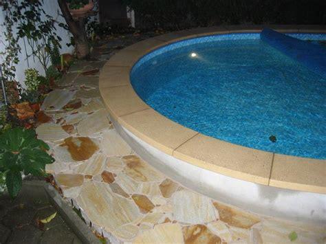 poolumrandung rund beckenrandsteine beton pool rund rundbecken randsteine
