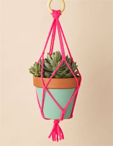How To Make Macrame Plant Hanger - 25 best ideas about macrame plant hanger patterns on