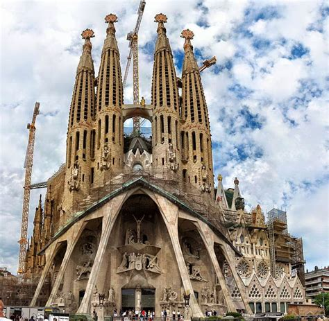the sagrada familia gauds antoni gaud 237 symbolism art nouveau architect tutt art