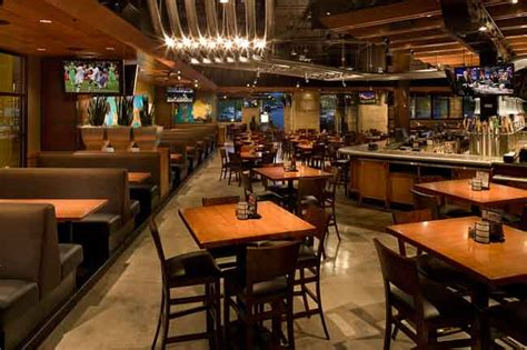 Backyard Burger Dallas Yard House Restaurant Opens With Wide Range Of Menu Items