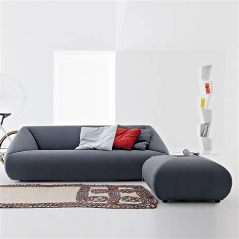 puff divani divano con chaise longue o divano con pouf