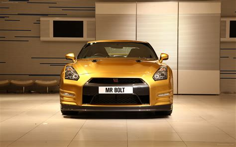 nissan gold gold nissan gt r widescreen car wallpapers 02 of 4