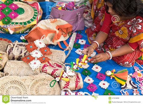 Handcrafts To Make - handmade jute dolls indian handicrafts fair at kolkata