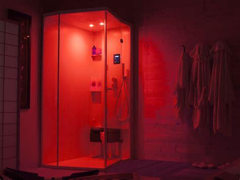doccia con cromoterapia box doccia angolare con porte a battente per cromoterapia