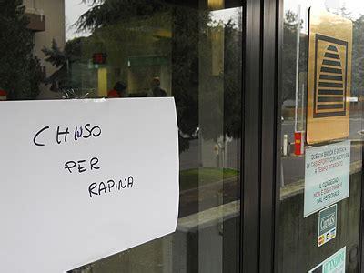Banca Cariparma Firenze by Filiale Cariparma Svaligiata Da Un Rapinatore Solitario