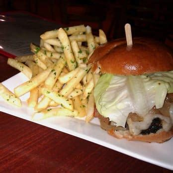 burger kitchen closed burgers    reviews    st beverly grove los
