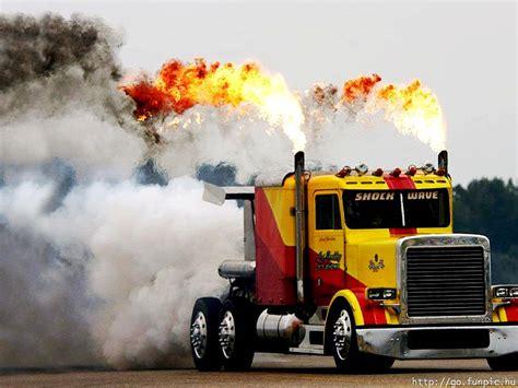 monster trucks drag racing 18 wheeler drag racing cool semi truck games image