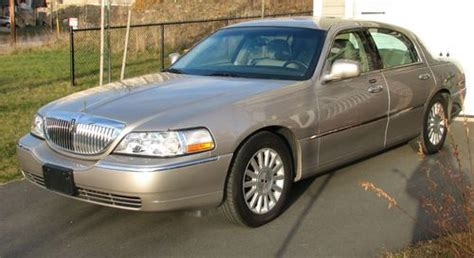 auto air conditioning service 2003 lincoln town car instrument cluster sell used 2003 lincoln town car executive sedan 4 door 4 6l in halifax nova scotia canada