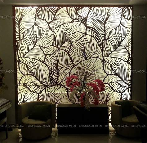 Wallpaper Dinding Motif Kupu Kupu New partisi laser cut aluminium motif daun tritunggal metal