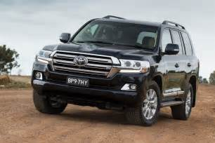 Toyota Landcruser Facelifted Toyota Land Cruiser 200 Unveiled In Japan W