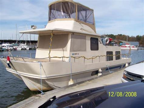 house boat holidays houseboats plus 1987 other holiday mansion 12x38 houseboat