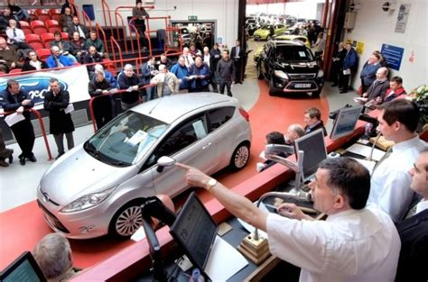 buying cars at auction how to stay safe up a bargain