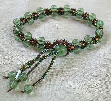 KnotGypsy Designs: Criss Cross Bracelet Pattern