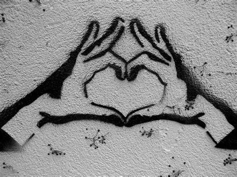 rise  graffiti heart art  design pinterest