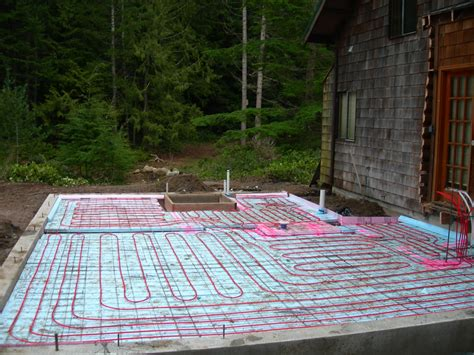 pex on mesh radiant floor slab janes radiant install radiant floor heating yourself
