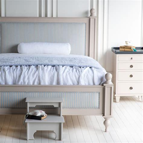 upholstered sleigh platform bedroom furniture set 151 xiorex upholstered sleigh platform bedroom furniture set 151