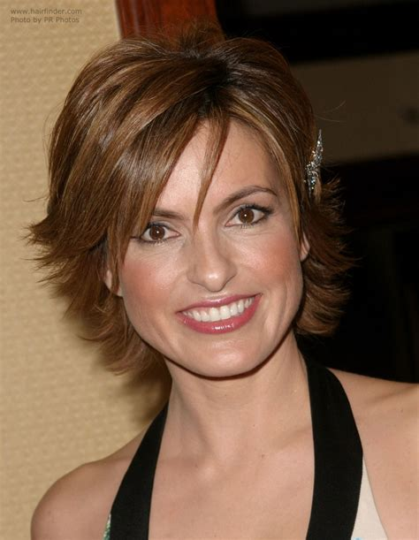 mariska hargitay short hairstyles front and back views mariska hargitay wearing her hair short with a longer neck