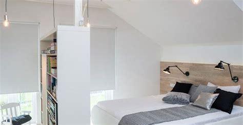 ladari mansarda illuminazione tetti spioventi come sfruttare le piccole