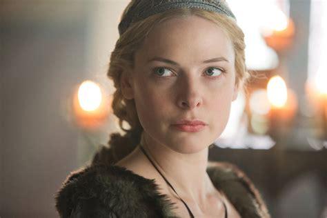 Rebecca Ferguson White Queen | bbc s the white queen a bodice ripper for the ages