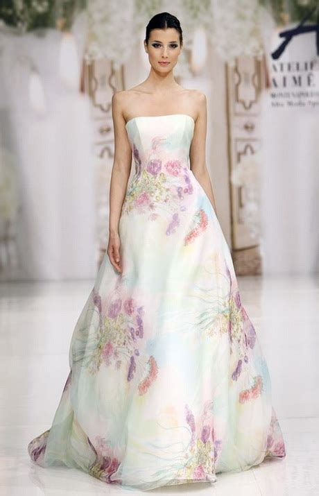 fiori per abiti da sposa abiti da sposa a fiori