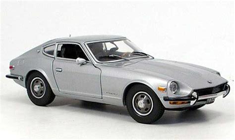 Diecast Nissan Laurel Ht2000sgx 1972 White datsun 240z gris 1972 sun coches miniaturas 1 18