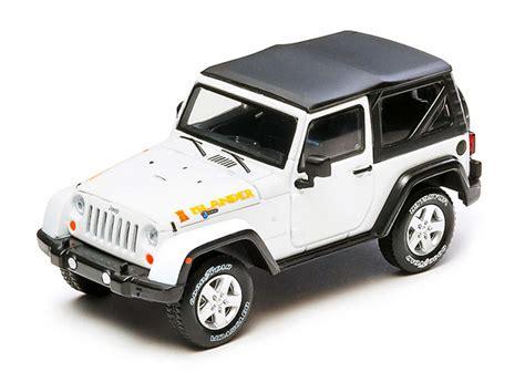 Greenlight Jeep Rubicon 1 43 Kustom jeep wrangler rubicon 2010 islander edition white die cast model greenlight 86037