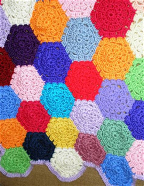 Hexagon Patchwork Blanket - hooked on crochet patchwork blanket