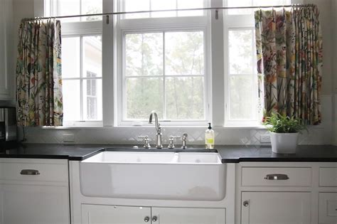 Cafe Style Curtains For Kitchens Kitchen Cafe Curtains Traditional Kitchen Grace Interiors