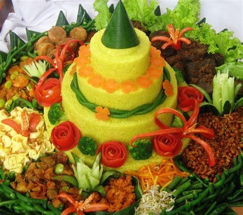 membuat nasi kuning ulang tahun resep dan cara membuat memasak nasi kuning komplit